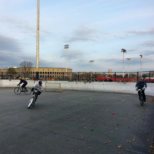 bostonbikepolo-bikepolo-lacrosse-fans