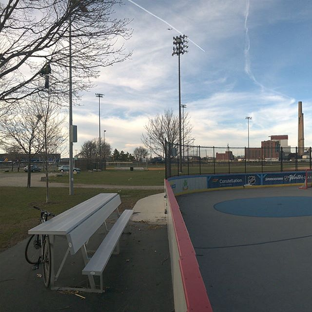 We played at Ryan Playground this weekend! It's high contrast and smooth! One month to Eastsides! #bostonbikepolo #bikepolo #erq17