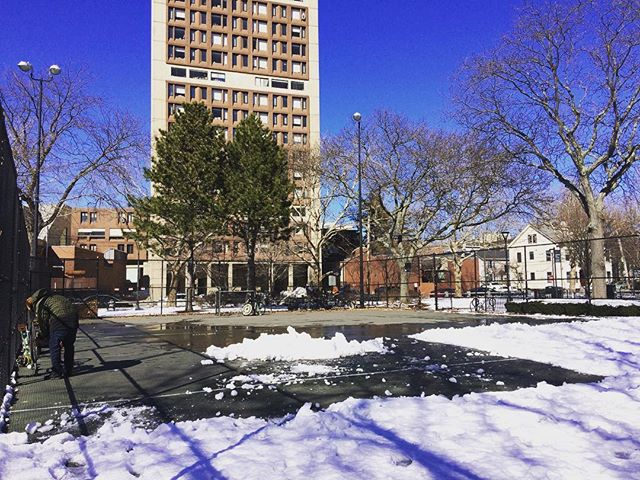 Safe to say the snowpack is solid. We got half a court cleared off and ready! #cambridgebikepolo #bicipolo #bikepolo #winterstormriley #bostonbikepolo #endlesssummer #cambridgeport #bikeboston